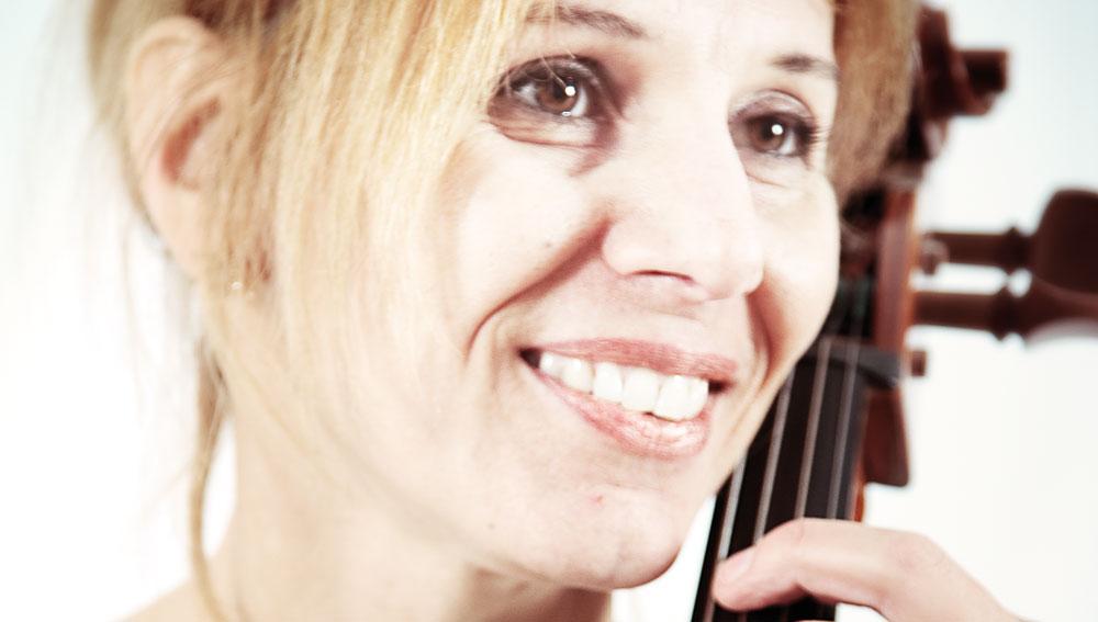 Cecilia Berioli a warrior armed with a cello