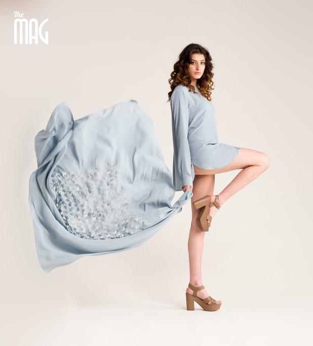 Camicia coreana seta e foulard coordinato (I tre baci della coccinella), sandalo JANET & JANET (Novecento). Trucco e capelli Beautynaive.