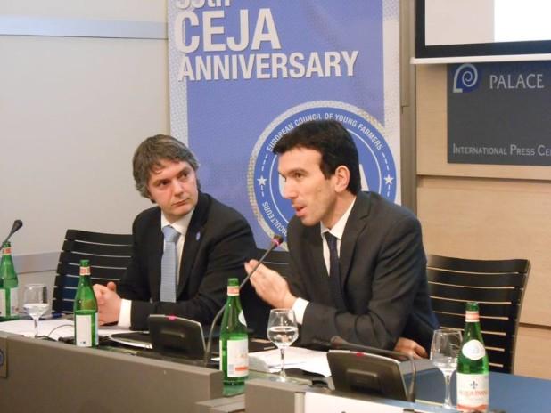 Matteo Bartolini con il ministro Martina