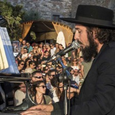 VINICIO CAPOSSELA A MOON IN JUNE CANTA PER SERGIO