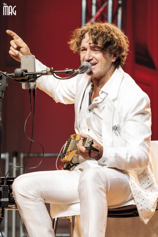 Goran Bregovic canta al festival delle nazioni