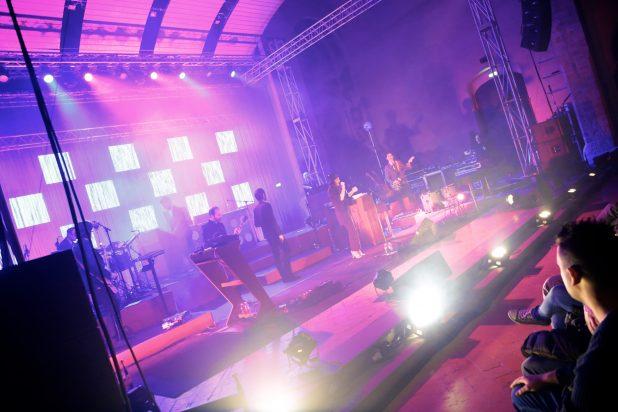momento di una canzone dei baustelle all'Auditorium di Foligno
