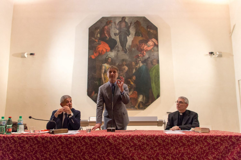 Brunello Cucinelli parla al pubblico della Sala Gotica del Duomo
