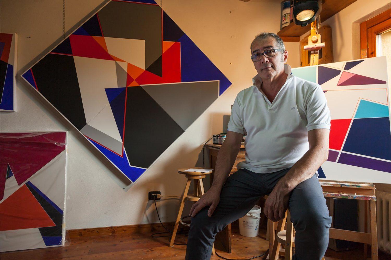 Ritratto di Fabio Mariacci nel suo laboratorio di Città di Castello