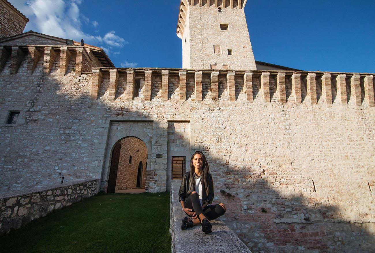 Diventi Umbria - le mura di Gualdo Tadino